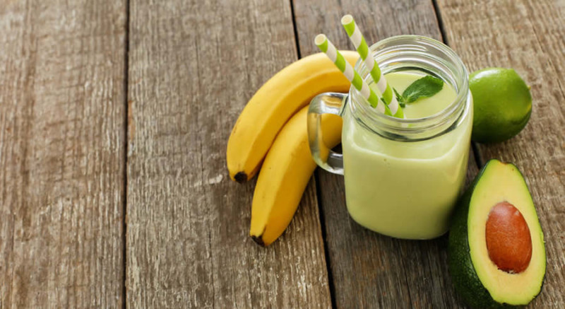 Avocado Banana Shake as Recommended by a Holistic Nutiritonist
