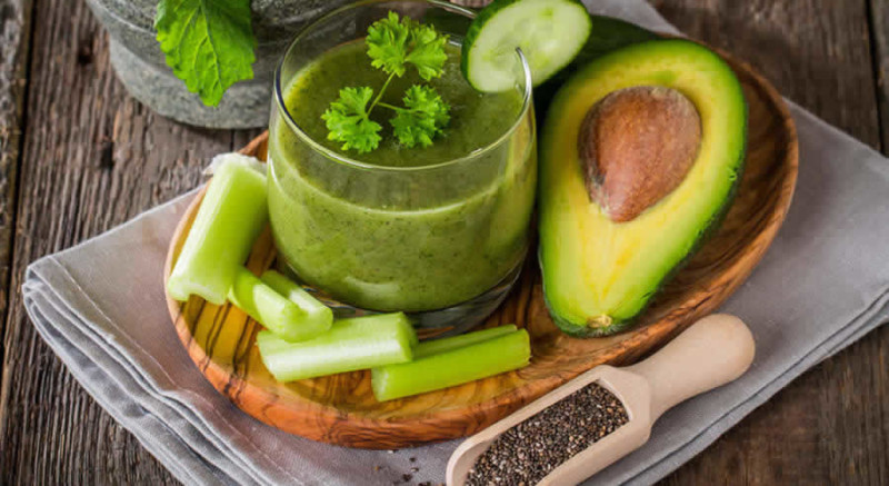 Greens Beauty Smoothie as Recommended by a Holistic Nutiritonist