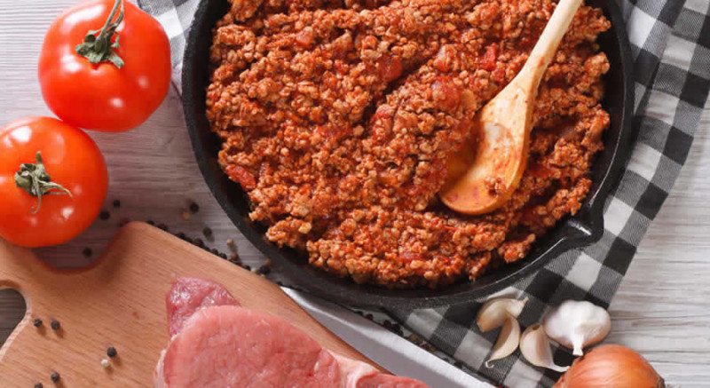 Ground Beef with Tomato Sauce as Recommended by a Holistic Nutiritonist