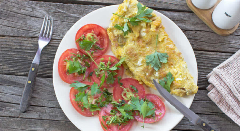 Tomato Omelette as Recommended by a Holistic Nutritionist